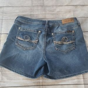 Seven7 brand denim shorts size 12
